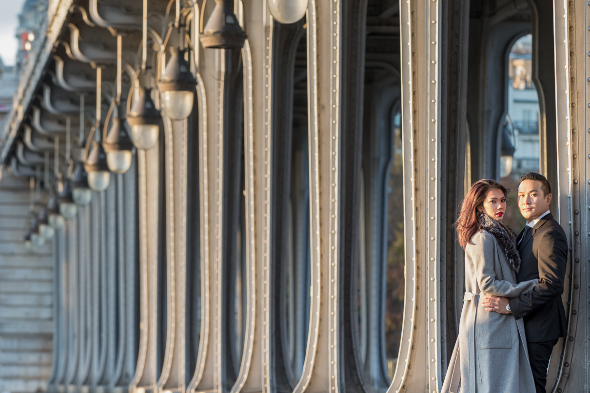 Bir Hakeim Bridge Paris engagement photos