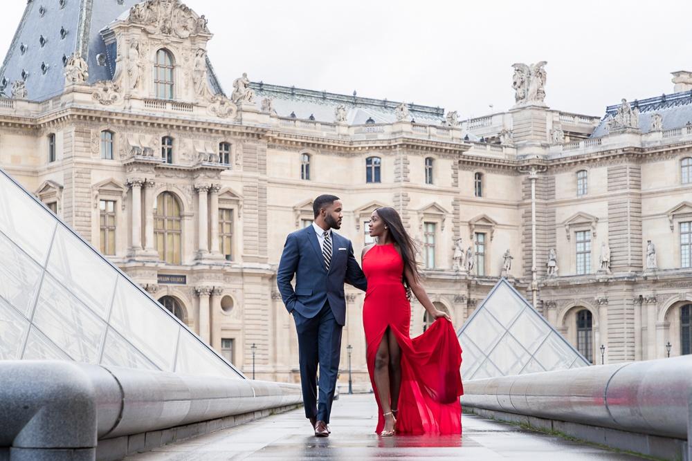 Paris engagement photos at the Louvre Museum
