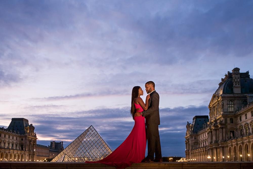 Paris engagement session at the Louvre Museum