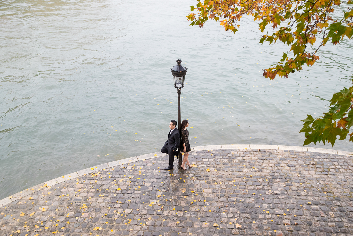 Paris photographer Seine River Engagement