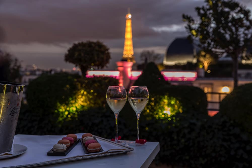 How to propose Rooftop proposal at the Hotel Raphael in Paris